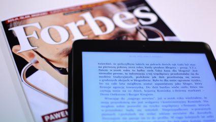 Ο «θηλυκός Ωνάσης» των 7,8 δισ.: Η πλουσιότερη Ελληνίδα στον κόσμο με τα βιβλία σε αρχαία γλώσσα που ελάχιστοι γνωρίζουν