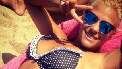 Τι θα συμβεί αν ένα πόνυ συναντήσει τη… Λάουρα; Το επικό τρολάρισμα της Ελένης Ράντου που έγινε viral (Pic)