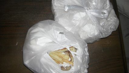 Πώς να ανοίξεις τη σακούλα με τα σουβλάκια με μια κίνηση!