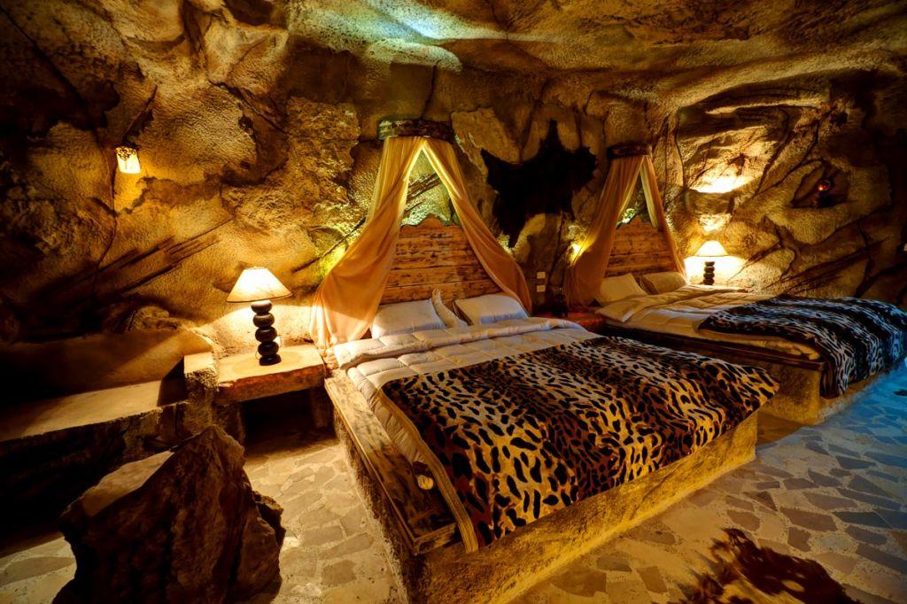 cave_resort_03