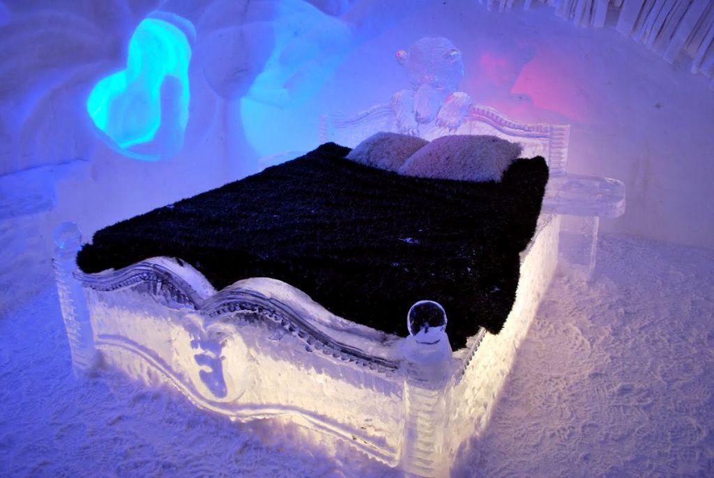 hotel-de-glace-in-quebec-canada-esthersblog