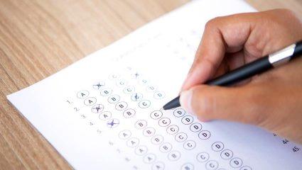 Τεστ Α' Γυμνασίου: Αν κάνεις κάτω από 9/10 τότε σίγουρα έμεινες στην ίδια τάξη στο Γυμνάσιο