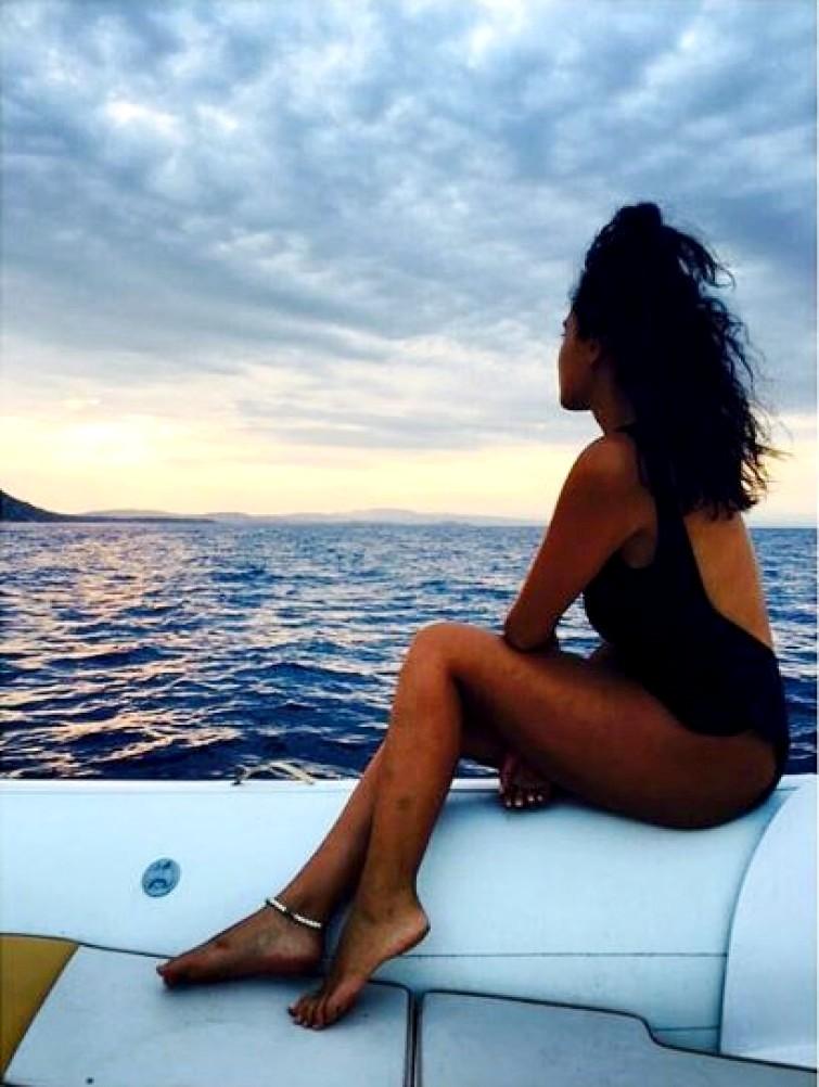 Βγάζουν μάτι τα προσόντα γνωστής Ελληνίδας ηθοποιού (εικόνες)