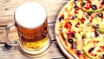Η πιο αντρική πίτσα είναι στο χέρι σου! Εσύ δοκίμασες τη ζύμη… μπύρας;