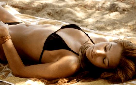b8b6b0f297e Κατερίνα Παπουτσάκη: Η πιο σέξι Ελληνίδα των '00s! - MyPortal