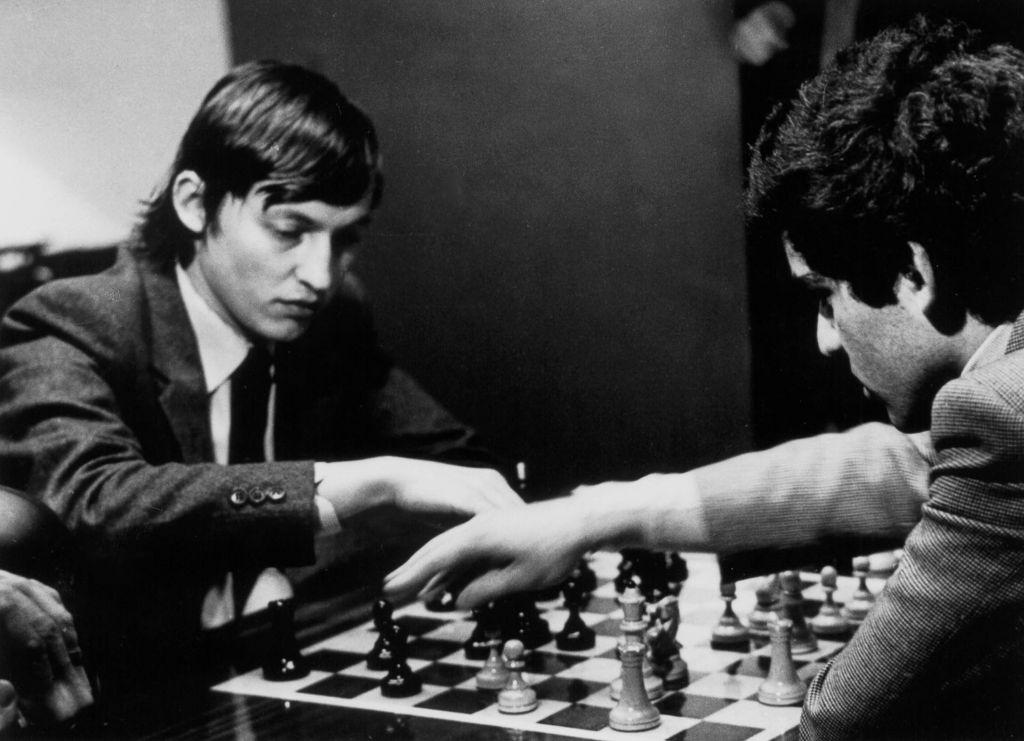 Κασπάροφ – Καρπόφ πέρα απ' τα όρια της ανθρώπινης αντοχής: Το ματς του αιώνα που δεν έληξε ποτέ