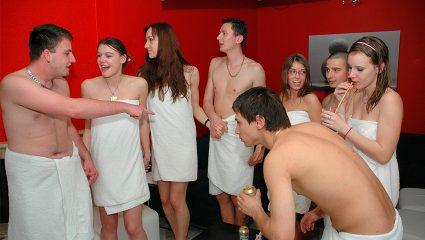 Γιατί δεν είναι τόσο καλή ιδέα να πας σε Swingers πάρτι