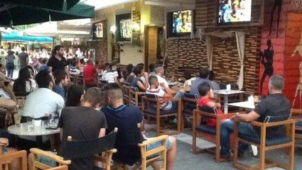Poll: O χειρότερος τύπος που συναντάς σε καφετέριες/σουβλατζίδικα όταν βλέπεις ματς