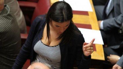 Οι 7 πιο εντυπωσιακές γυναίκες της ελληνικής Βουλής (Pics)