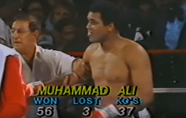 «Μην βγεις, θα πεθάνεις»: Ο αγώνας του Μοχάμεντ Άλι που δεν έπρεπε ποτέ να ξεκινήσει