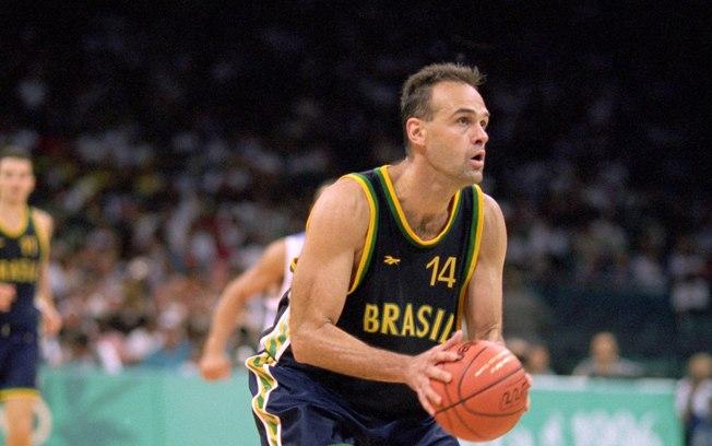 Η θρυλική τιτανομαχία του ευρωπαϊκού μπάσκετ στα '80s: όταν ο Ντράζεν συνάντησε τον Όσκαρ Σμιντ! (Vids)