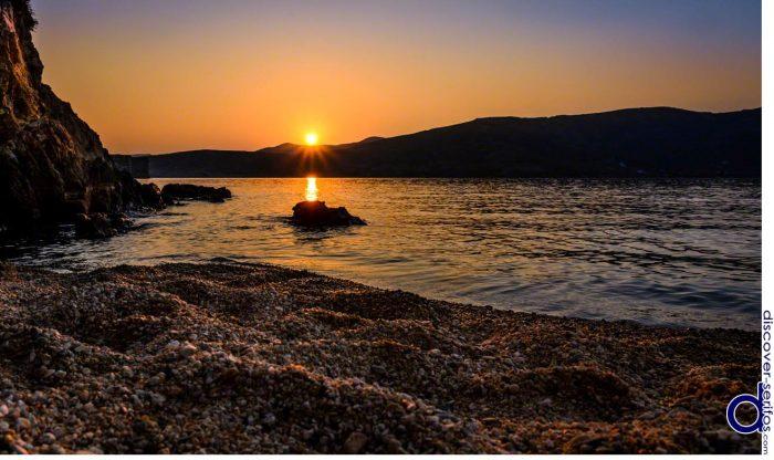 Υποτιμημένο διαμάντι: Το ελληνικό νησί που αν είχε αεροδρόμιο θα 'χε σβήσει την Μύκονο (Pics)