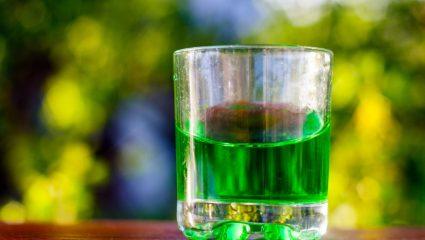 Αψέντι: Οι μύθοι για την «πράσινη νεράιδα»