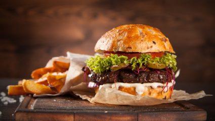 Λάτρεις των μπέργκερ ετοιμαστείτε: Το Burgerfest επιστρέφει στην πόλη!