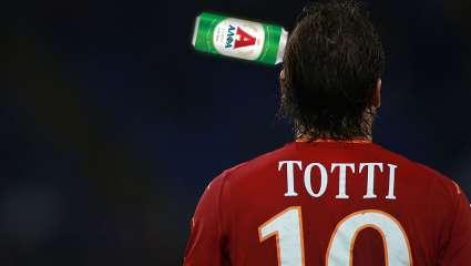 Πώς θα ήταν το τελευταίο ματς του Τότι αν έπαιζε σε ελληνική ομάδα;