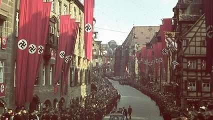 Ξεναγός στην κόλαση του Χίτλερ: Ο Έλληνας μελλοθάνατος που έπρεπε να κάνει ό,τι πιο νοσηρά φριχτό επινόησε ποτέ ανθρώπινος νους