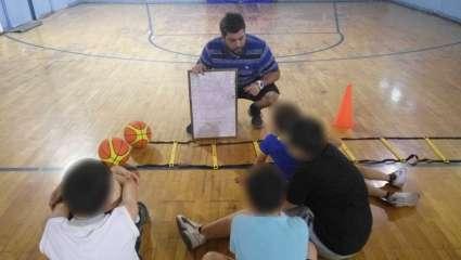 «Νους, Λόγος & Άθληση»: η δύναμη του μπάσκετ θεραπεύει τα παιδιά μας