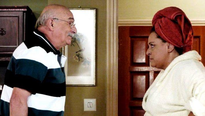 Έμεινε μισή: Τα δυο ζευγάρια που αποχωρούν από τη «Μουρμούρα» του ALPHA