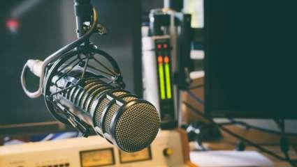 Κουίζ – Κρεμάλα: Μπορείς να αναγνωρίσεις 10 ραδιοφωνικούς παραγωγούς από μια φωτογραφία;