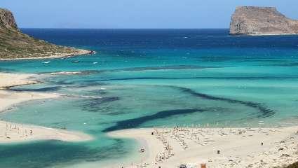Καλοκαίρι άλλους 3 μήνες: Η ελληνική παραλία που μπορείς να κάνεις μπάνιο μέχρι τον Νοέμβρη (Pics)