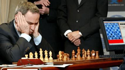 «Με εξαπάτησαν»: Το ιστορικό λάθος του Κασπάροφ όταν ο αντίπαλος δεν έφαγε το «δηλητηριασμένο» πιόνι του