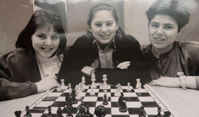 Το πείραμα του Πόλγκαρ: «Δημιούργησε» 3 κόρες- διάνοιες για να αποδείξει ότι ιδιοφυία γίνεσαι δεν γεννιέσαι