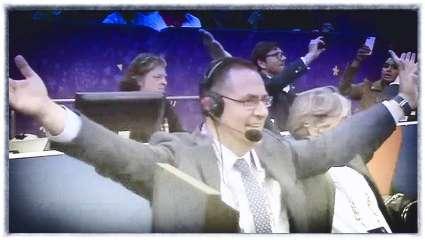 Το έπος του Ευρωμπάσκετ: ο Μητσικώστας κάνει Ιωάννου- Χατζηγεωργίου και… πέφτουν τα μικρόφωνα! (Vid)