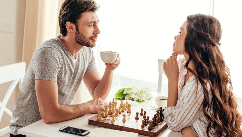 5 χαρακτηριστικά σημάδια: Πώς ξεχωρίζεις μια γυναίκα πού βρίζει σαν νταλικέρης