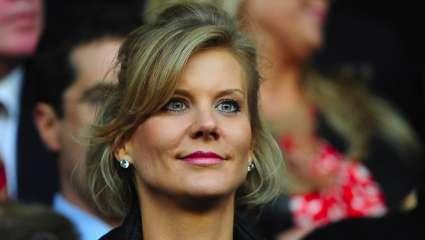 Η γυναίκα που ισοπεδώνει τα ανδρικά οχυρά: Αυτή είναι η επίδοξη «βασίλισσα» του αγγλικού ποδοσφαίρου