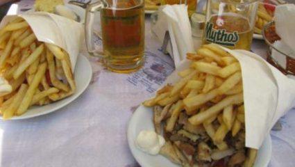 Σαν την Κρήτη πουθενά: αυτό είναι το μεγαλύτερο πιτόγυρο στην Ελλάδα! (Pics)