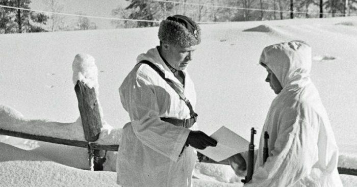 «Σκοτώστε τον πάση θυσία»: O θρυλικός ελεύθερος σκοπευτής που αιματοκύλησε τους Σοβιετικούς