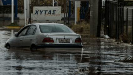 Τυφώνας Ζήνων: Πώς γεννήθηκε η σαρωτική κακοκαιρία που πλήττει την Ελλάδα (Vid)