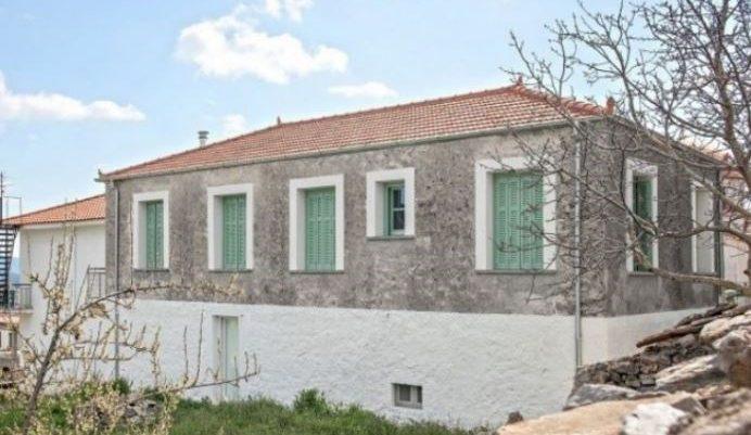 Το ωραιότερο σπίτι στην Ελλάδα: Αυτό το αγροτόσπιτο που βλέπετε από μέσα είναι «παλάτι»! (Pics)