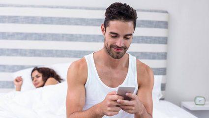Οι πέφτουλες του Facebook με τις dick pics: Αυτά είναι τα μηνύματα που θα σου στείλουν στο inbox