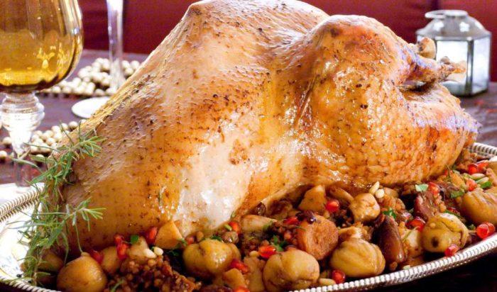 Η αιώνια μάχη του φαγητού: Πασχαλινό ή χριστουγεννιάτικο τραπέζι;
