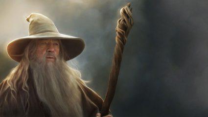 O Ian McKellen ετοιμάζεται να γίνει ξανά Gandalf