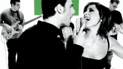 5 ελληνικά τραγούδια που μας «την έδιναν» τα 90s, αλλά τώρα τα γουστάρουμε!