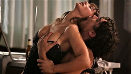 Οι 5 ερωτικές σκηνές που έχτισαν τον μύθο της Μόνικα Μπελούτσι (Vids)