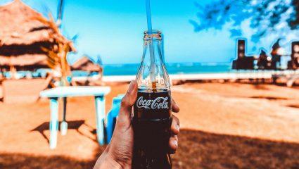 «Δροσίζει, ξεκουράζει τα νιάτα»: Το θρυλικό ελληνικό αναψυκτικό που εξαφάνισε η Coca-Cola (Pics)