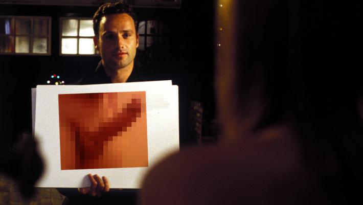 Love Actually: Αν η πιο ρομαντική του σκηνή γυριζόταν με Έλληνες πέφτουλες του Facebook (Pics)