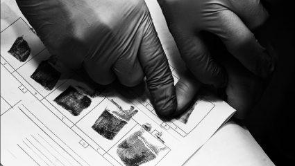 «Έγκλημα στο Καβούρι»: Η πρώτη δολοφονία στην Ελλάδα που εξιχνιάστηκε με μεταφυσικό τρόπο (Pics)