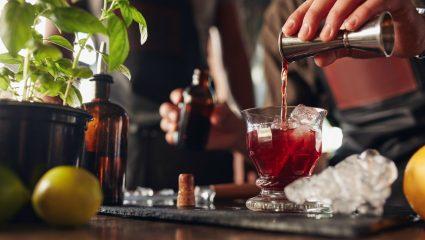 Όσα λεν οι bartenders μεταξύ τους: Moscow (Mule) - Manhattan, μια γουλιά δρόμος