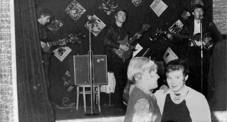 Το μεγαλύτερο «φιάσκο» στην ιστορία της μουσικής: Όταν η πιο θρυλική μπάντα έπαιξε για... 18 άτομα!