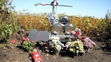 «Μακάρι να πέσει το κωλοαεροπλάνο σας»: Η κατάρα που «σκότωσε» τη μουσική