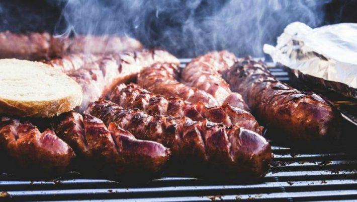 Τα 3 φαγητά που πρέπει ν' απαγορευτούν δια νόμου την Τσικνοπέμπτη