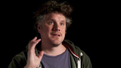 Johannes Roberts: Ο σκηνοθέτης που κρατά ψηλά το horror στη Βρετανία