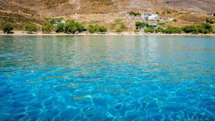 Όλοι φέτος εκεί: Το ελληνικό νησί που έγινε ο Νο1 προορισμός φοιτητών και νεολαίας (Pics)
