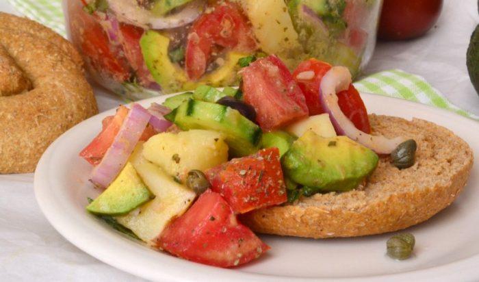 Οδηγός επιβίωσης στη Μεγάλη Εβδομάδα: Τι να φας πριν πέσεις με τα μούτρα την Κυριακή στο αρνί!