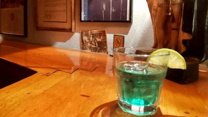 Για λίγους και ψαγμένους: Το θρυλικό μπαρ - χρονοκάψουλα που σε γυρίζει στο 1958 (Pics)