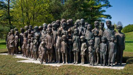 «Ισοπεδώστε τους»: Το χωριό που ο Χίτλερ εξαφάνισε (κυριολεκτικά) από το χάρτη